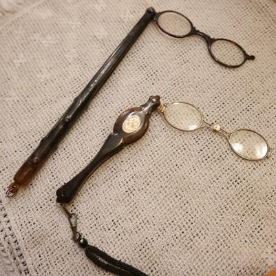 Opera glasses_f0144612_08193061.jpg