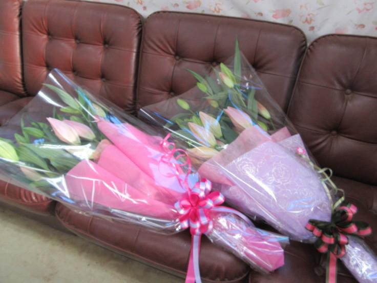 ユリの花束ご注文 ありがとうございます。_f0067514_16351505.jpg