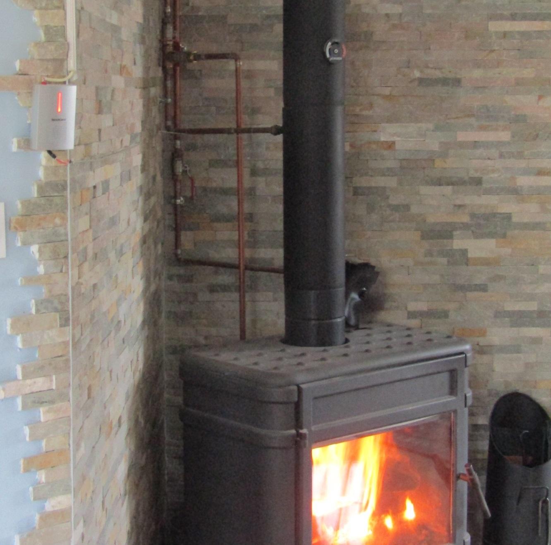 暖炉で家中の給湯を_b0287748_04081206.jpg