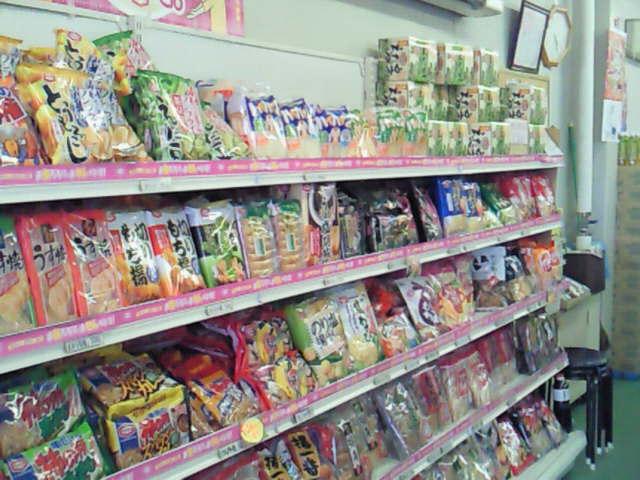 おせんべいやあられが激安!亀田製菓の直売所@2010夏の新潟旅行_c0152767_18364932.jpg