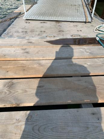 桟橋1、2設置_a0077071_16463157.jpg