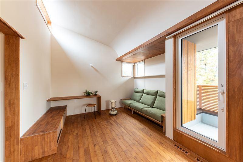 公園を独り占めできる2階リビングの家 竣工写真_b0349892_11261327.jpg
