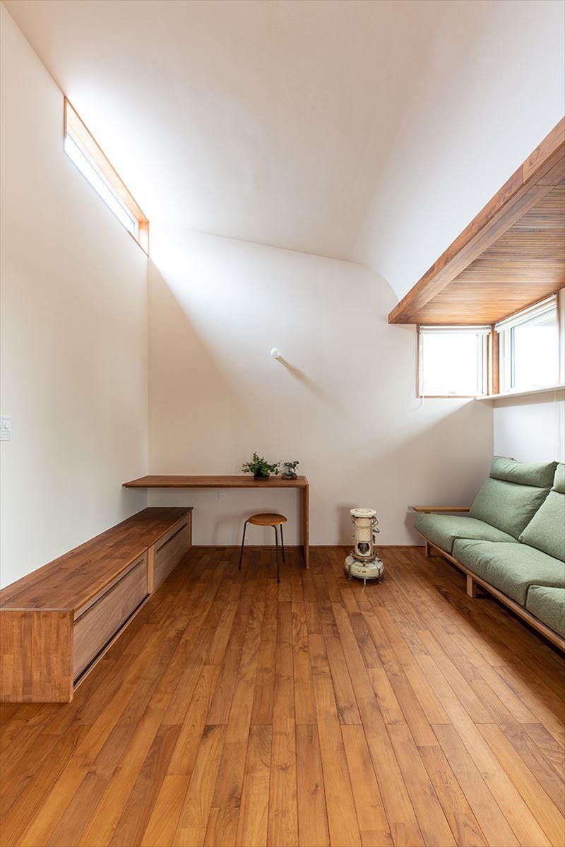 公園を独り占めできる2階リビングの家 竣工写真_b0349892_11330213.jpg