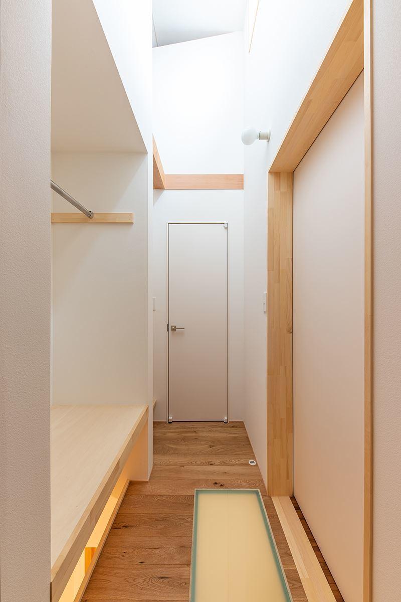 公園を独り占めできる2階リビングの家 竣工写真_b0349892_11592842.jpg