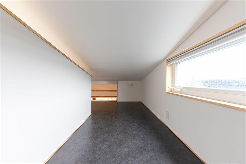 公園を独り占めできる2階リビングの家 竣工写真_b0349892_12023592.jpg