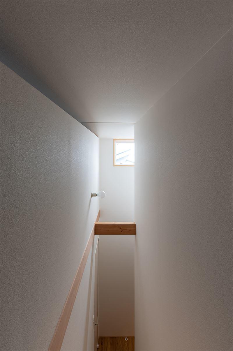 公園を独り占めできる2階リビングの家 竣工写真_b0349892_12044004.jpg
