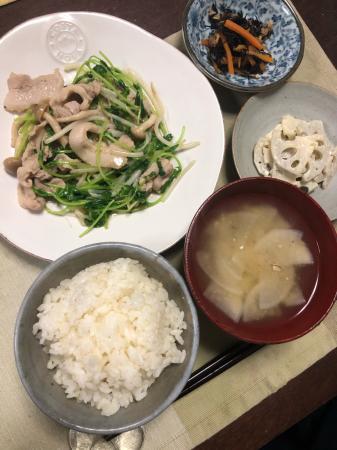 豚肉と豆苗の炒め物_d0235108_22295014.jpg