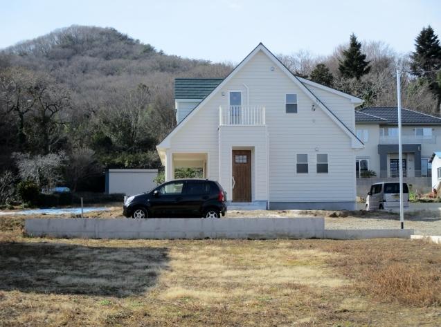 ご近所の可愛いアメリカンカントリーなお宅!外構工事始まります。_e0361918_11365485.jpg