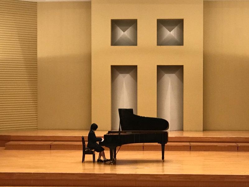 普通科音楽コース3年生、ピアノ卒業試験でした!_d0016622_11354026.jpg