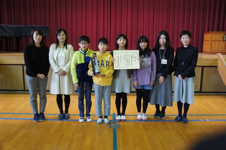 綾部市立吉美小学校で贈呈式_e0324373_17130594.jpg