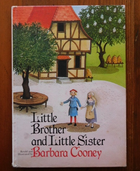 Book:バーバラ・クーニー画「Little Brother and Little Sister」_c0084183_09321570.jpg
