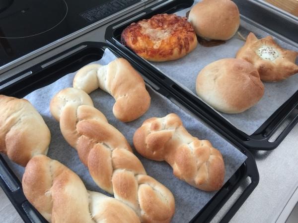 夫の手作りブーム お菓子→おかず→そして パン♪_a0239890_11023020.jpg