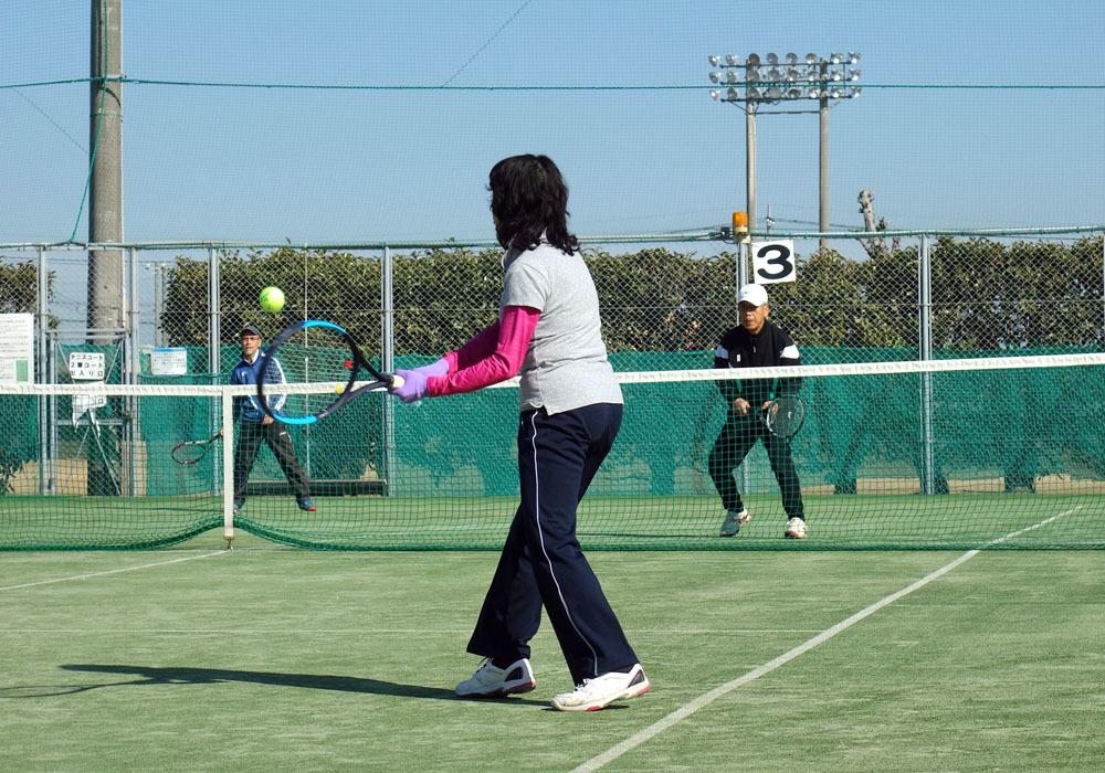 シニアテニスクラブは人材の宝庫_b0114798_16092857.jpg