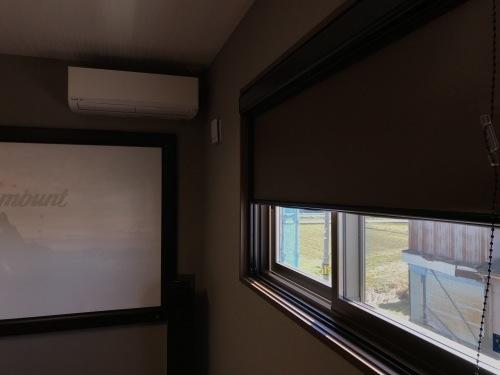 コストパフォーマンスを考えた、お薦め「個室型」4Kシアタールーム王道パターン☆_c0113001_23055323.jpg