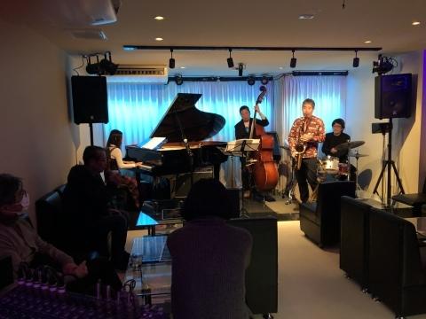 広島 Jazzlive Cominジャズライブカミン   本日2月6日木曜日のライブ_b0115606_12295219.jpeg