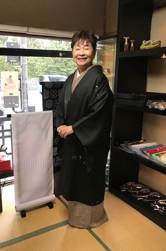 ご来店のお客様・音符道中着・撒き糊着物・藤田織物帯。_f0181251_17270029.jpg