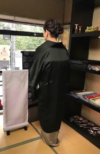 ご来店のお客様・音符道中着・撒き糊着物・藤田織物帯。_f0181251_17282446.jpg