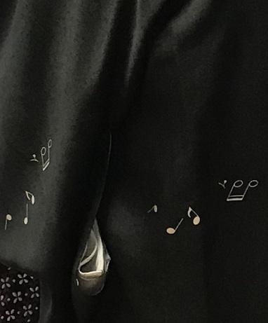 ご来店のお客様・音符道中着・撒き糊着物・藤田織物帯。_f0181251_17284956.jpg