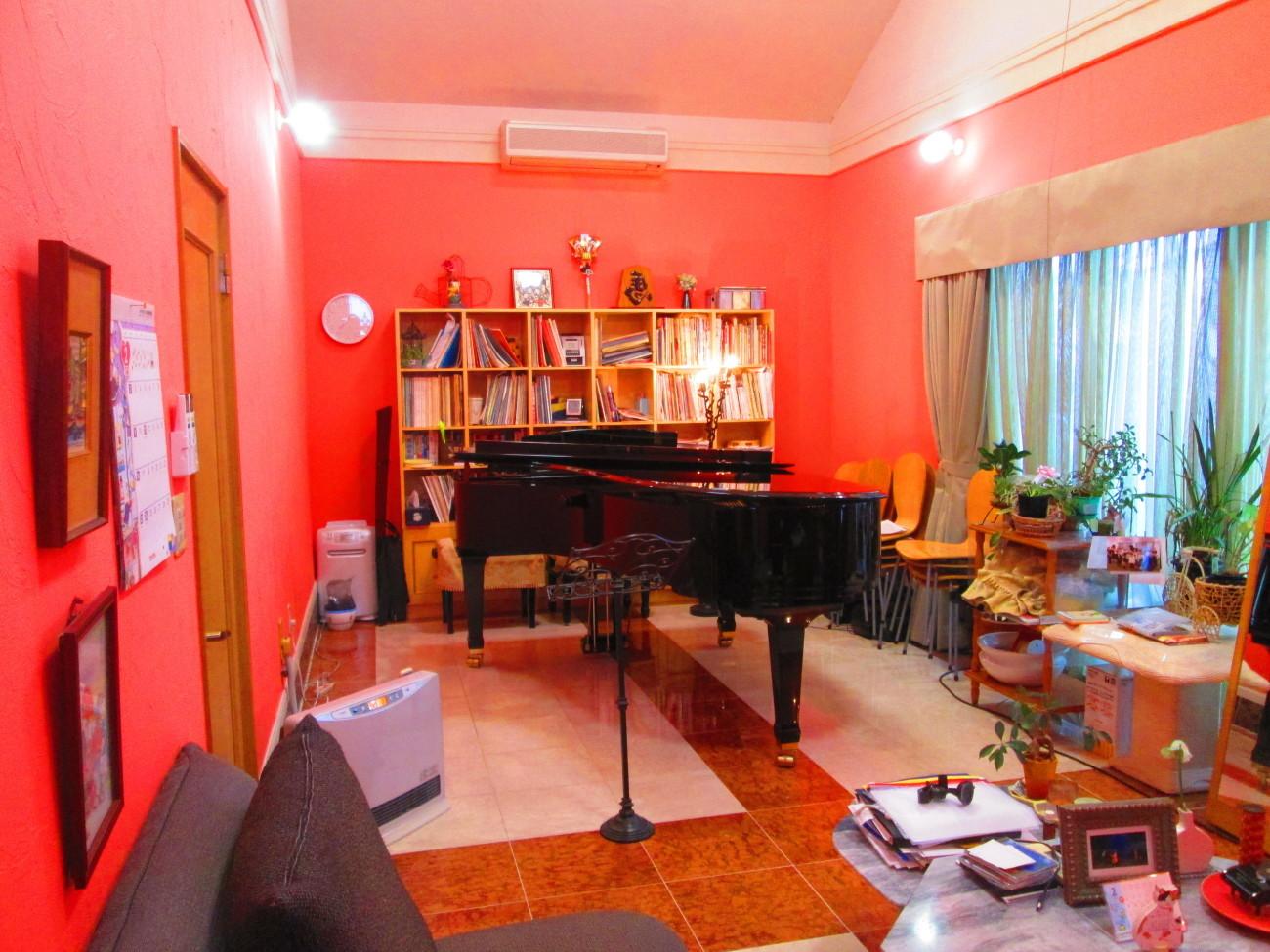 先日話したピアノ体験レッスンを申し込んでくれた方(38歳男性)が、レッスンを…_d0159273_13534777.jpg