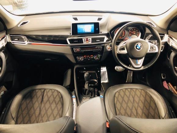 2月7日(金)本店ブログ♪BMW X1 xドライブ18d xライン 4WD ディーゼル車あります★ランクル ハマー エスカレードならTOMMY☆彡_b0127002_19080752.jpg