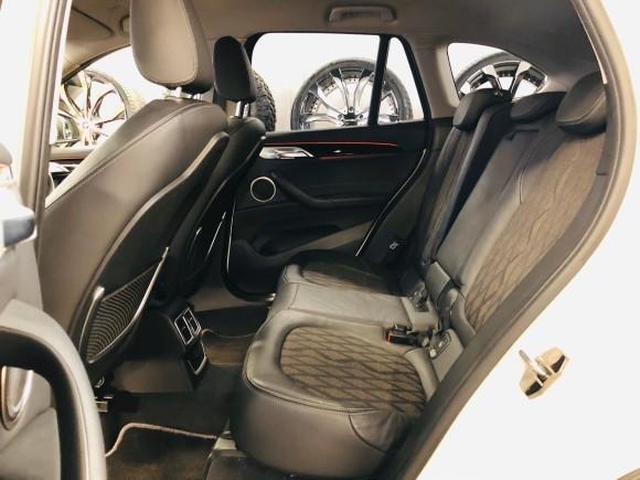 2月7日(金)本店ブログ♪BMW X1 xドライブ18d xライン 4WD ディーゼル車あります★ランクル ハマー エスカレードならTOMMY☆彡_b0127002_19084416.jpg