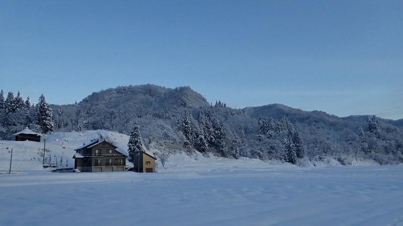 寒い朝、兼業農家の出勤前の風景です_c0336902_21371280.jpg
