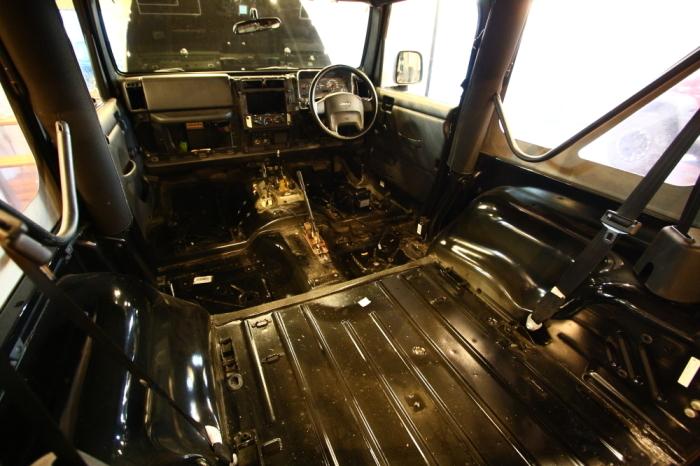 各車両作業進行中_f0105425_18065974.jpg