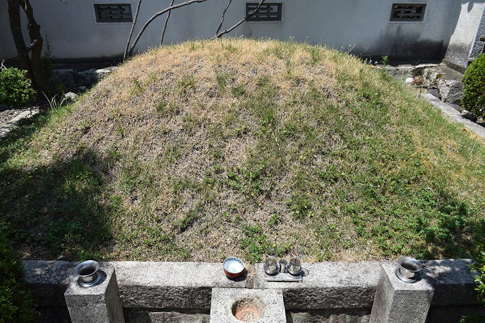 近江坂本城跡を歩く。 その4 <明智塚>_e0158128_18585574.jpg