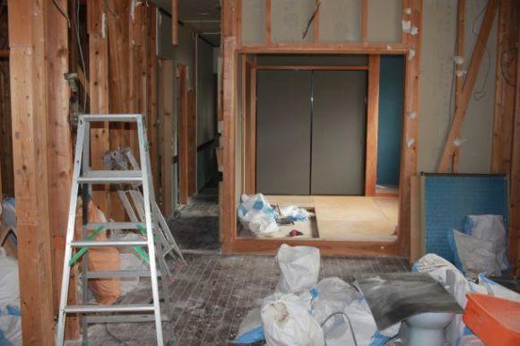 No6.自宅スペースをリフォーム・・・・ついに工事スタート、まずは解体_e0133255_18341009.jpg