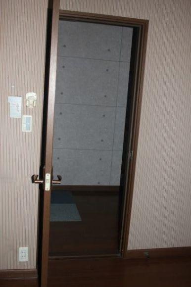 No6.自宅スペースをリフォーム・・・・ついに工事スタート、まずは解体_e0133255_18343777.jpg