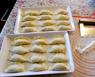 手作り餃子と肉まんと、カラフルウールのカット♪_b0194861_20554571.jpg