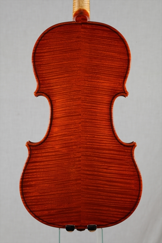 最新作ヴァイオリンのご紹介_d0047461_05531793.jpg