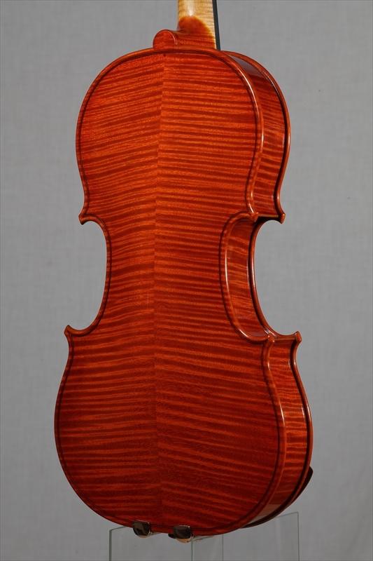 最新作ヴァイオリンのご紹介_d0047461_05532840.jpg