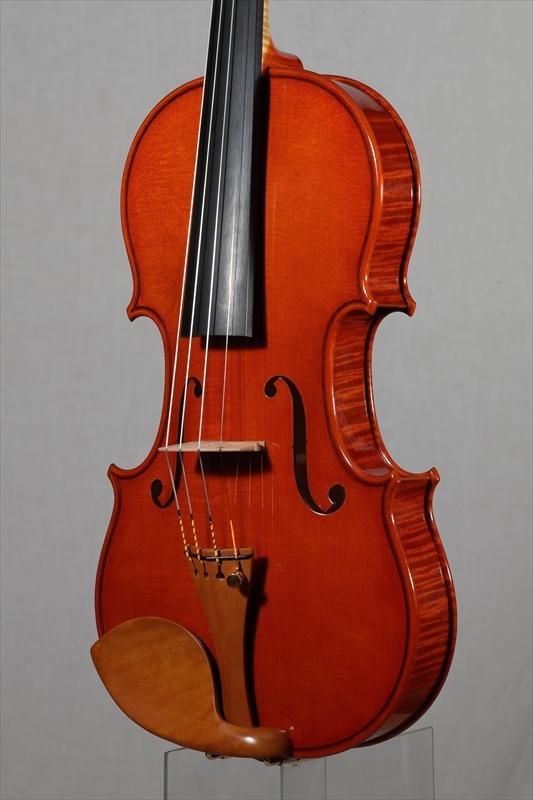 最新作ヴァイオリンのご紹介_d0047461_15273856.jpg