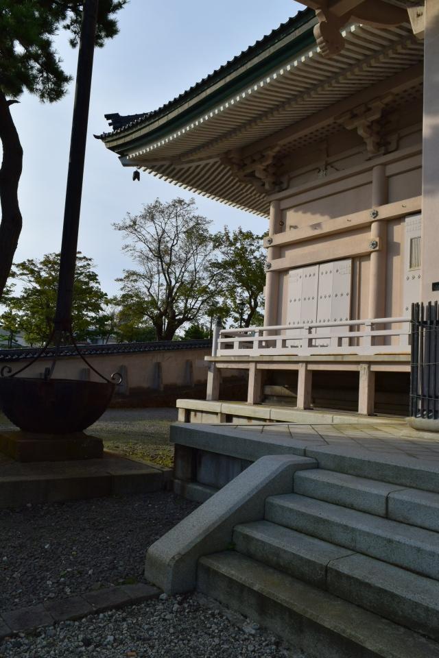 東本願寺函館別院(函館の建築再見)_f0142606_08352369.jpg