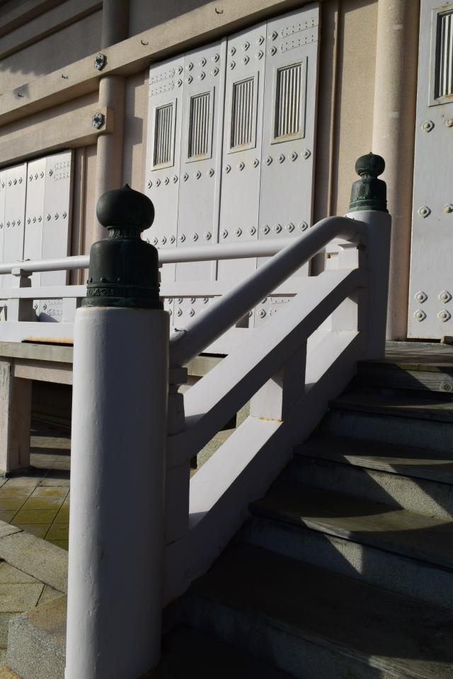 東本願寺函館別院(函館の建築再見)_f0142606_08361288.jpg