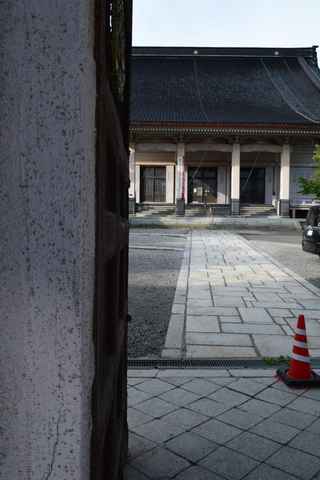 東本願寺函館別院(函館の建築再見)_f0142606_08392262.jpg
