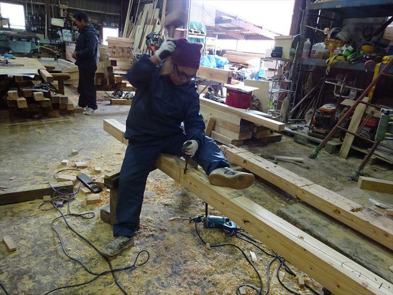 田沢湖の家 大工の刻み、進行中です!_f0105112_04051310.jpg