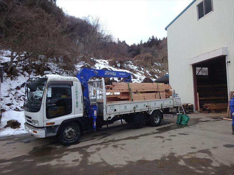 田沢湖の家 大工の刻み、進行中です!_f0105112_04210882.jpg