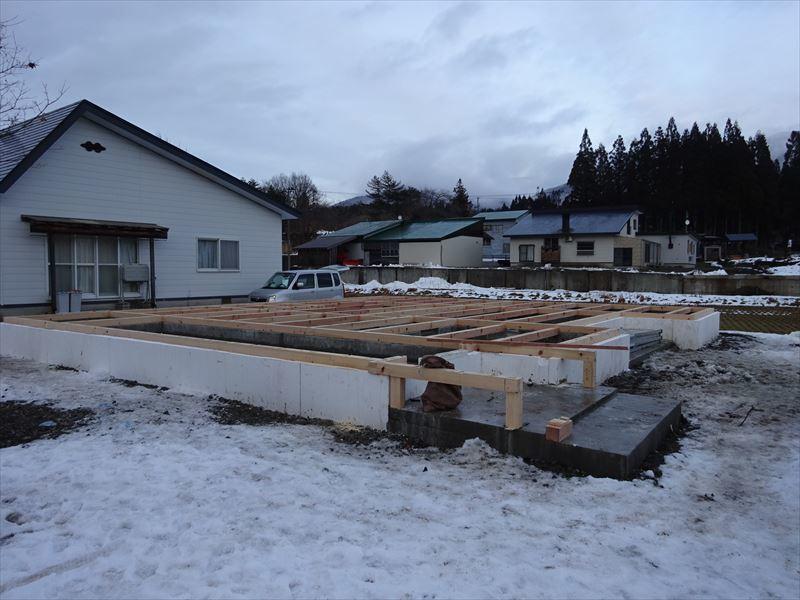 田沢湖の家 大工の刻み、進行中です!_f0105112_04263841.jpg