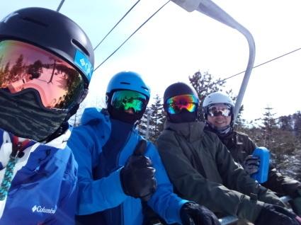滑りやすい雪質_a0150315_08322299.jpg