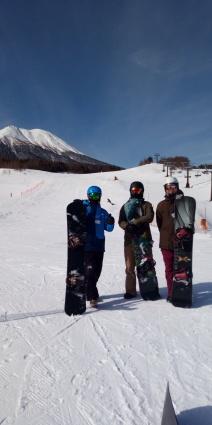 滑りやすい雪質_a0150315_08323431.jpg