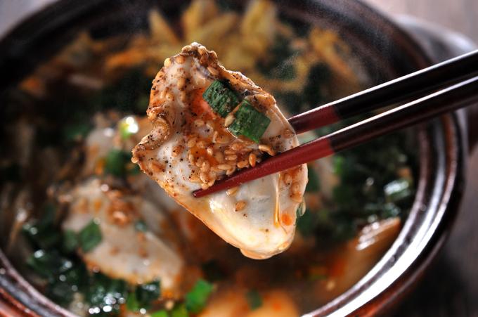 メシ通『魚介を使った簡単レシピ 』☆ 辛さと痺れの麻辣牡蠣鍋!_d0069838_07435825.jpg
