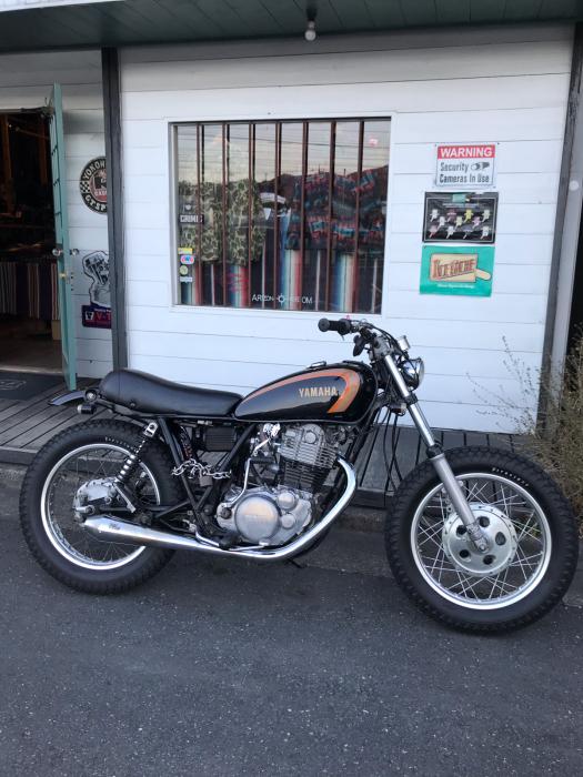 本日のバイク!_f0194657_18082266.jpg