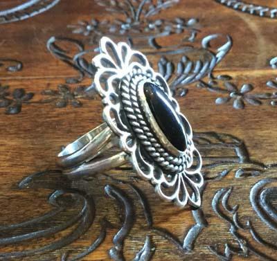 透かしのリング(オニキス)_f0155891_17285226.jpg