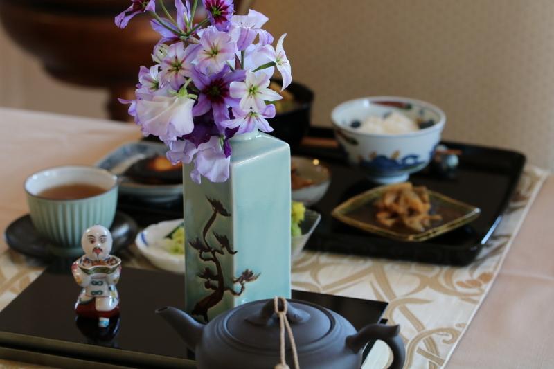 御事汁とレンコンのゴマ酢和え_f0376195_22024237.jpg