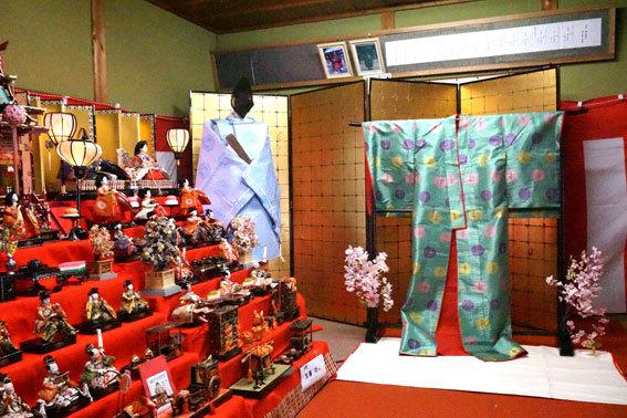 射山神社のお雛さま_b0145296_15094158.jpg