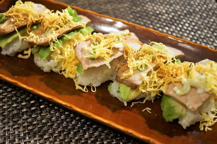 ■握り寿司【炙り葱マグロ+アボガド+錦糸卵】赤身もトロの味わいに^^_b0033423_08065135.jpg