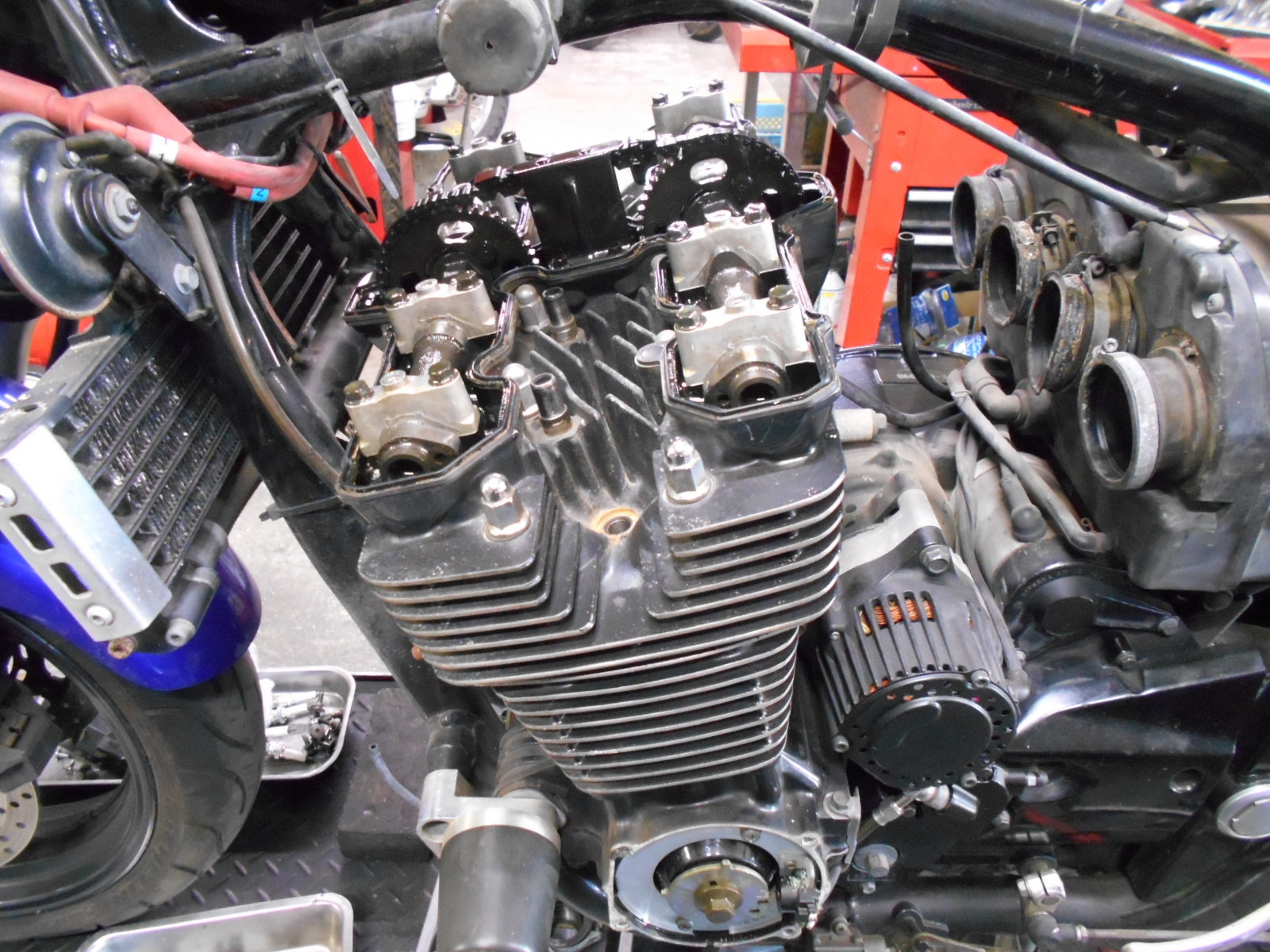XJR1300 エンジン腰上_e0185939_09531075.jpg