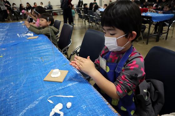 やと子ども美術教室 ~ 粘土で遊ぼう ~_e0222340_14181813.jpg